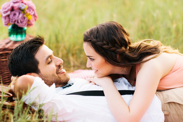 3 Attraction-Sparking Conversation Tips That Will Make You Irresistible To Men